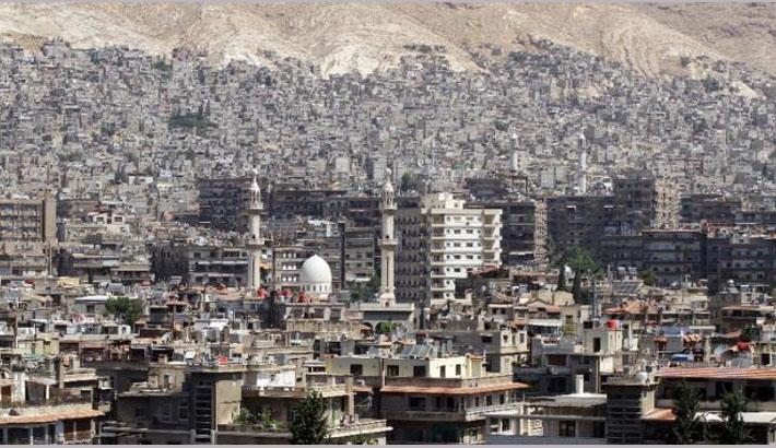 Battling rebels, IS moves closer to central Damascus