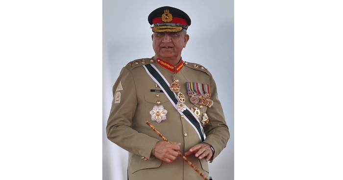 Pakistan court delays ruling on army chief's retirement