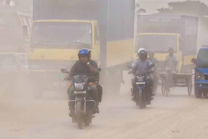 The air in Dhaka is very unhealthy in winter
