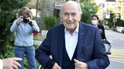 Ex-FIFA boss Blatter arrives for payment probe hearing