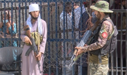 Pakistan fences off from Afghan refugees