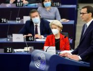 Polish PM accuses EU of blackmail in law room